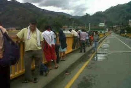 Jovencita se quito la vida lanzándose del puente de Cajamarca  Tolima