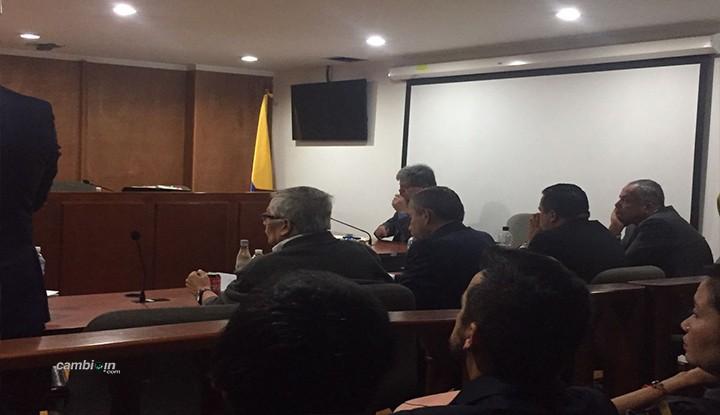 Media hora antes llegó el Gobernador Oscar Barreto al Tribunal Superior de Bogotá