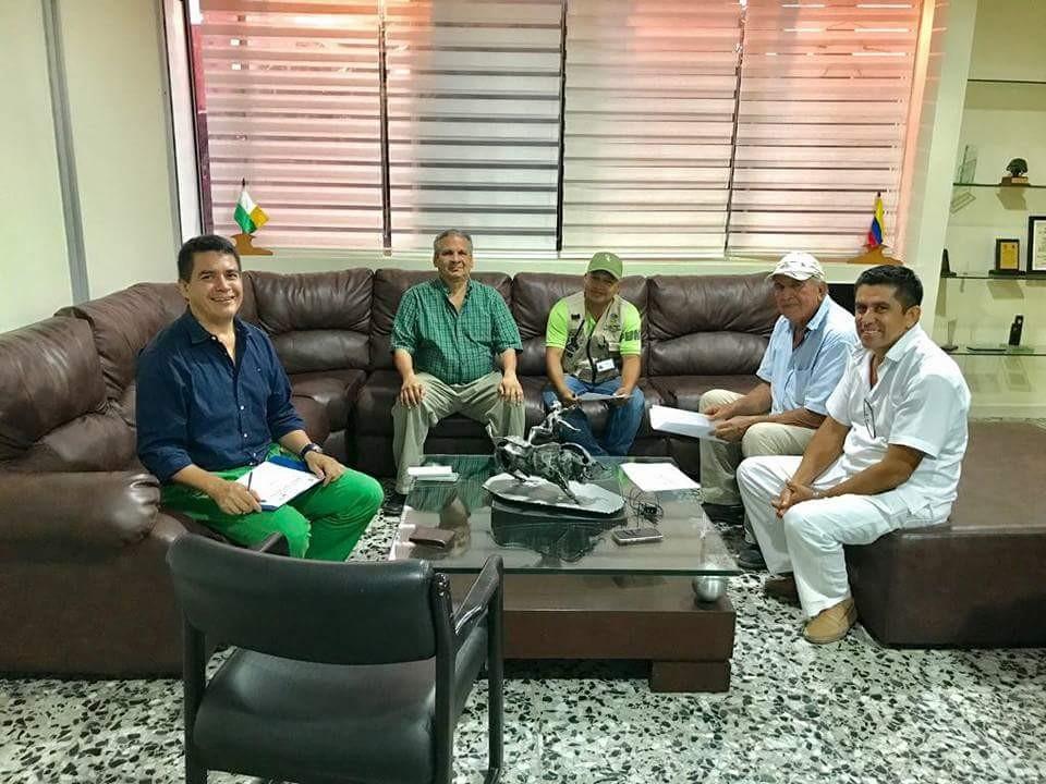 Comunidad y alcaldía de El Espinal acuerdan inversiones oficiales.