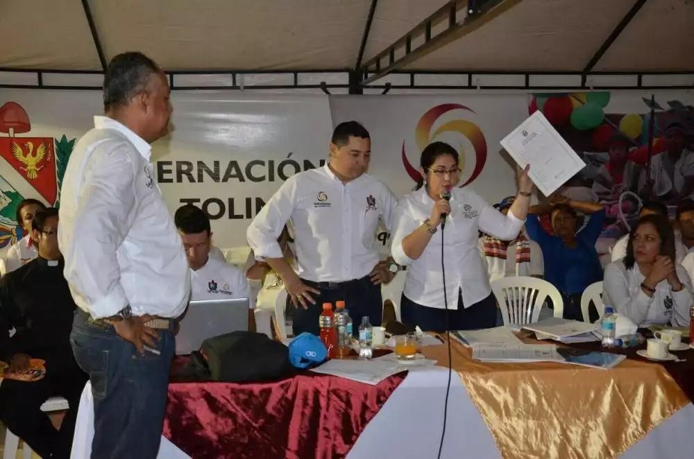 En problemas gobernador y alcaldesa de Lérida por ayudar a German Vargas