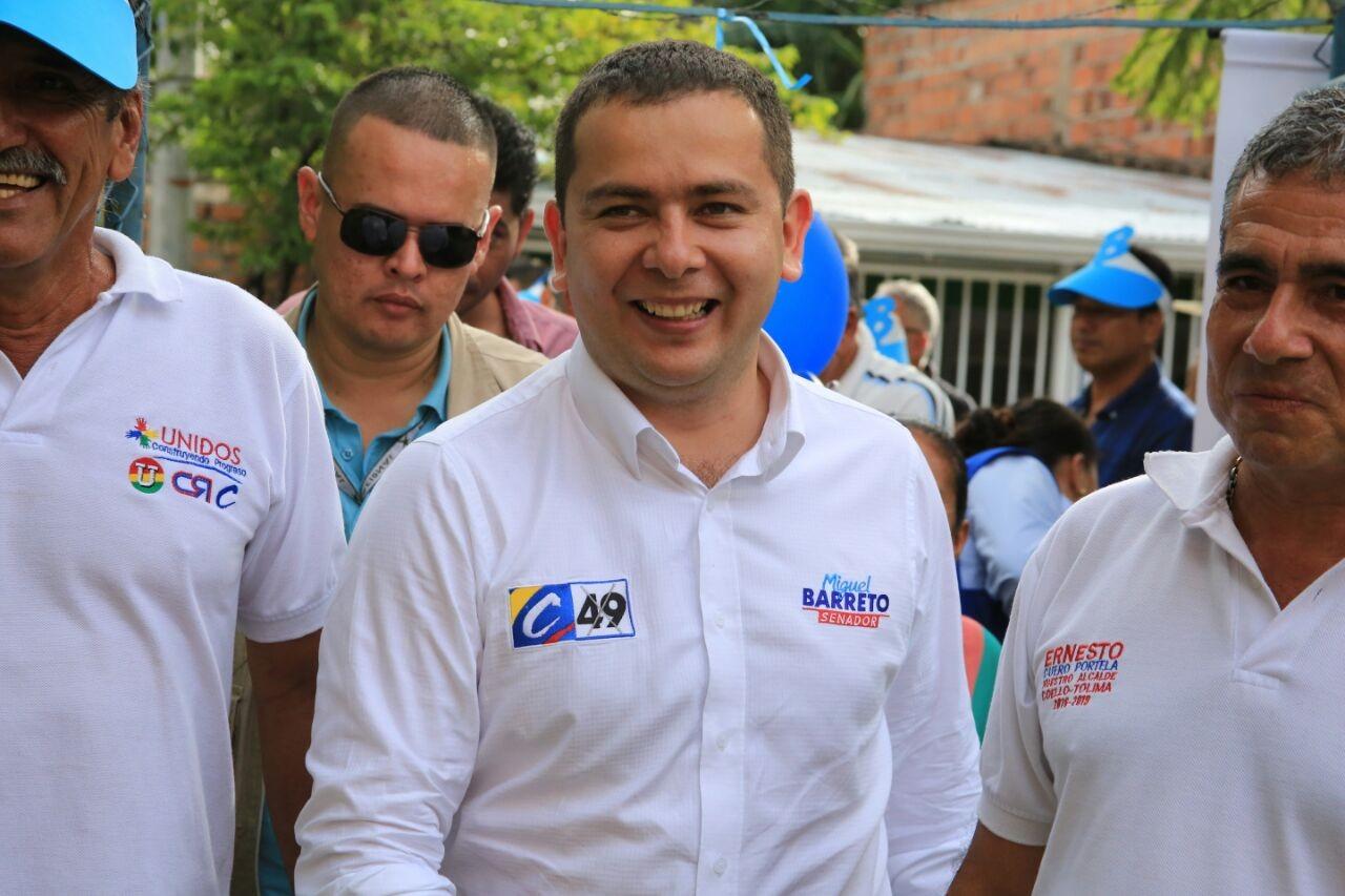 Haber votado por políticos foráneos desvío recursos: Barreto