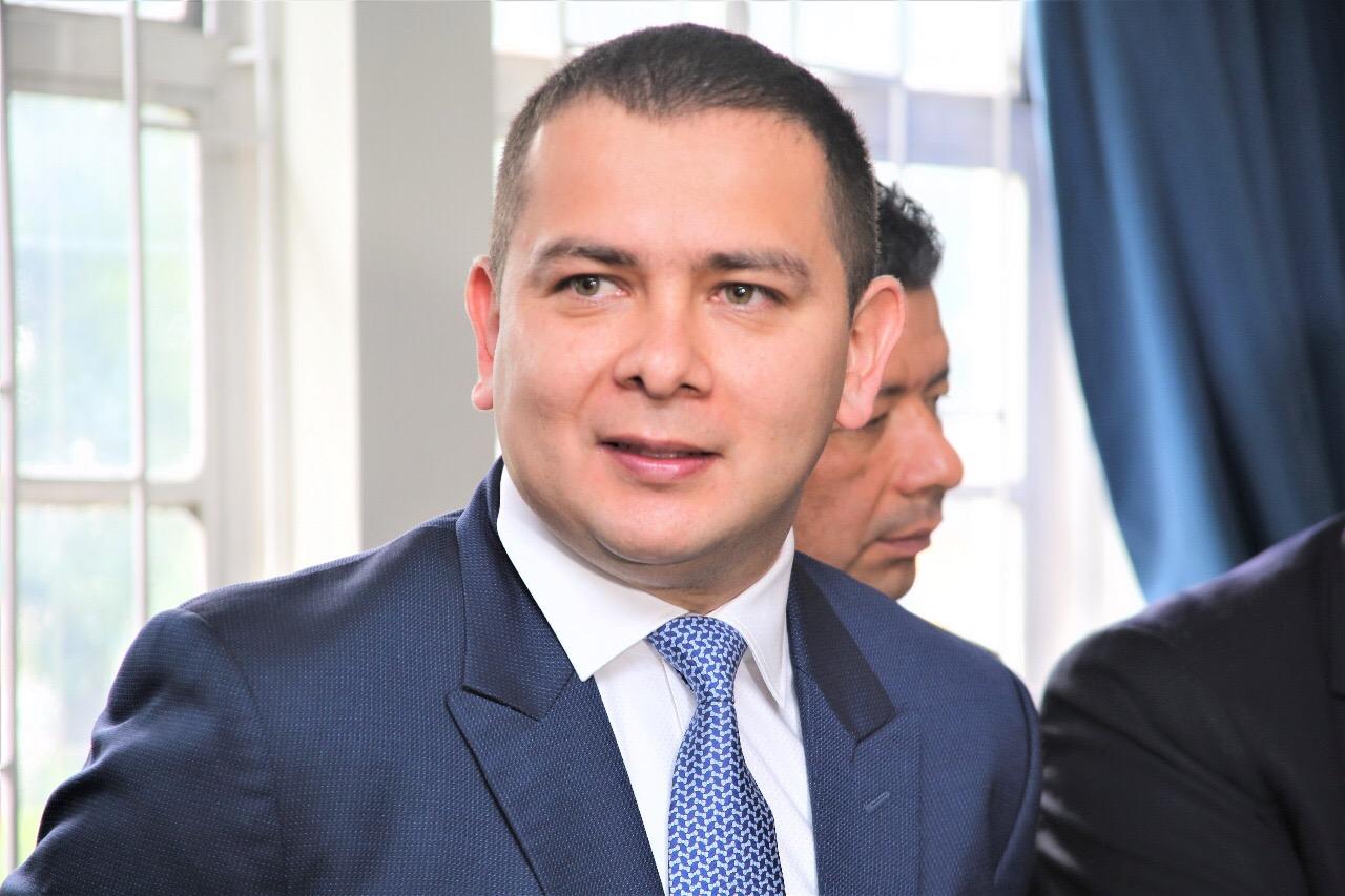 Congresista pide renuncia del secretario de hacienda de Ibagué