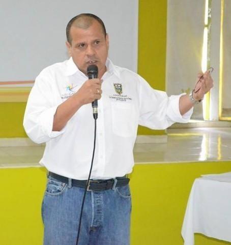 Buses contratados por alcaldía de Melgar, aparecen en evento político