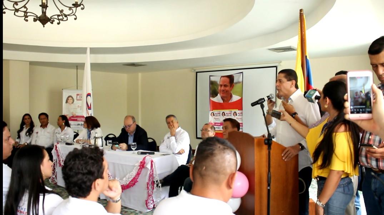 Chucho Botero, reforzará equipo al Senado de Rosmery Martínez