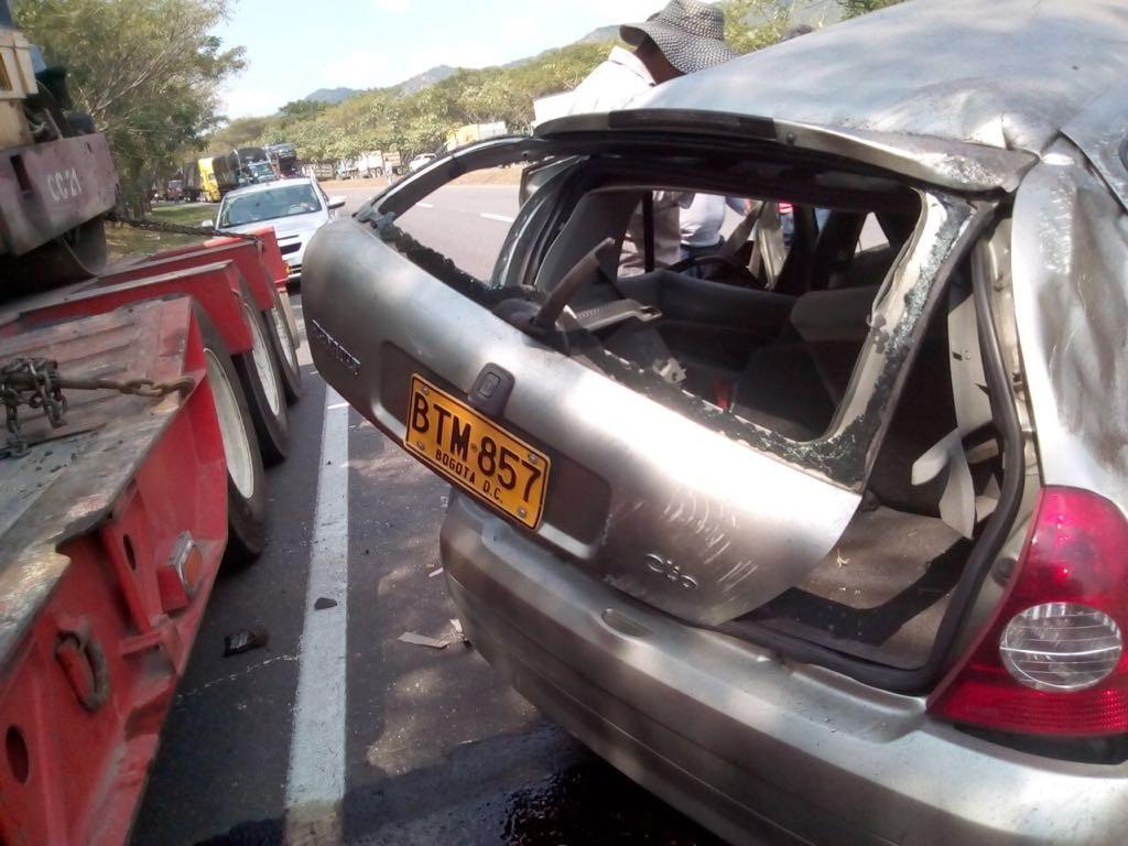Mujer fallece al perder control de su carro en carreteras del Tolima
