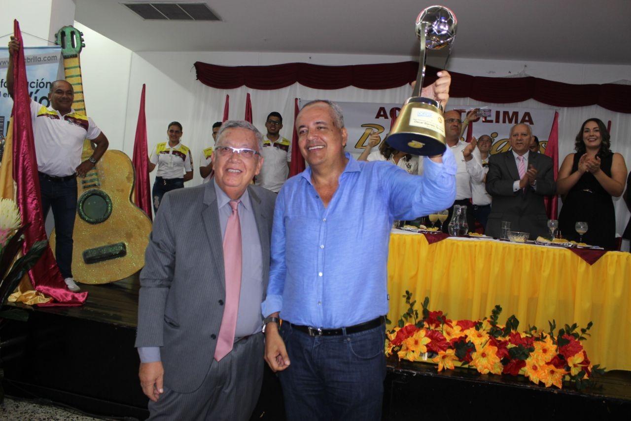Acord Colombia condecoró al gobernador del Tolima