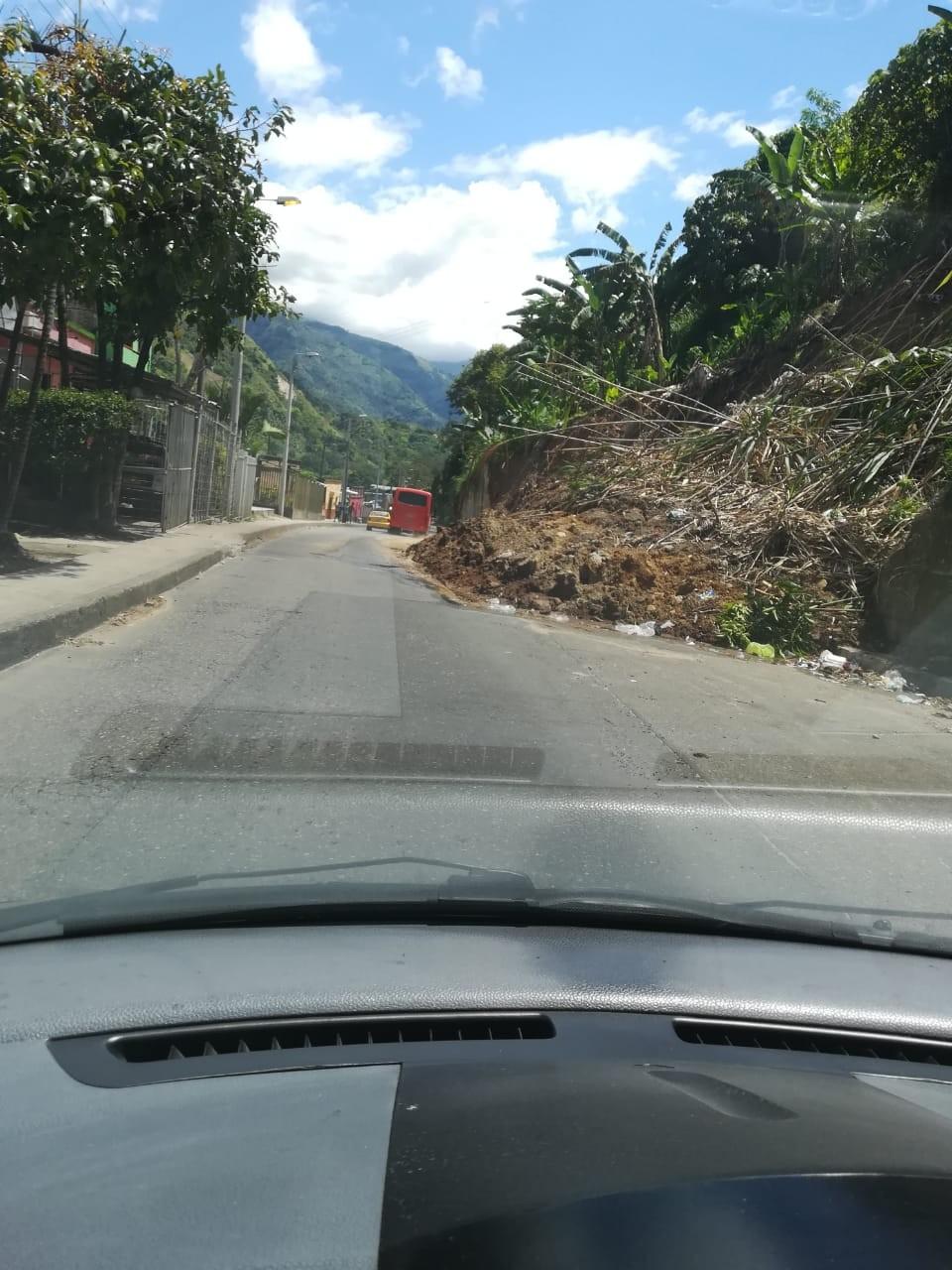 Le quedó grande al alcalde de Ibagué recoger un derrumbe
