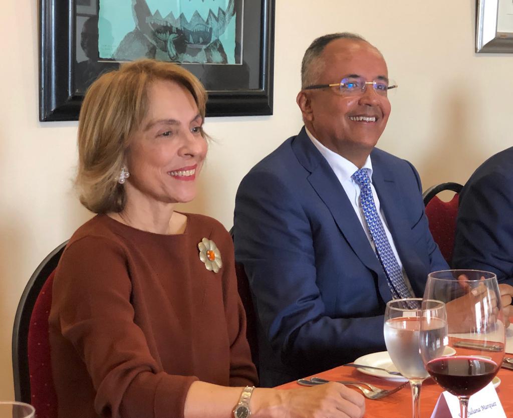 Gobernador del Tolima y la mamá del presidente