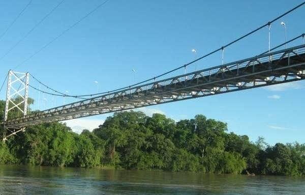 Restringen paso por importante puente en el sur del Tolima