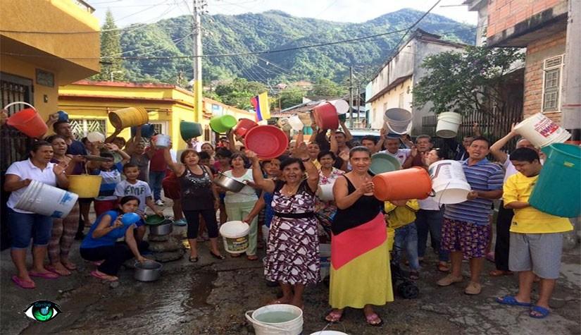 Hace 3 meses agua limpia se riega en un Barrio, IBAL no hace nada