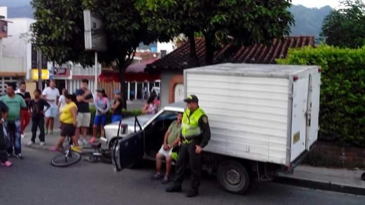 Todo un misterio rodea accidente de tránsito donde un sujeto atropello varias personas, y al parecer la policía lo quiere proteger