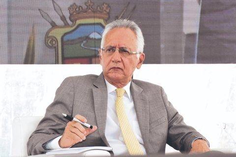 Otra condecoración oscura del alcalde Jaramillo: Orlando Espinosa
