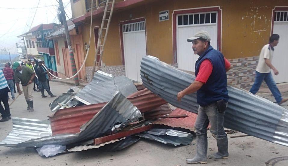 Fuerte explosión frente a la alcaldía de Santa Isabel