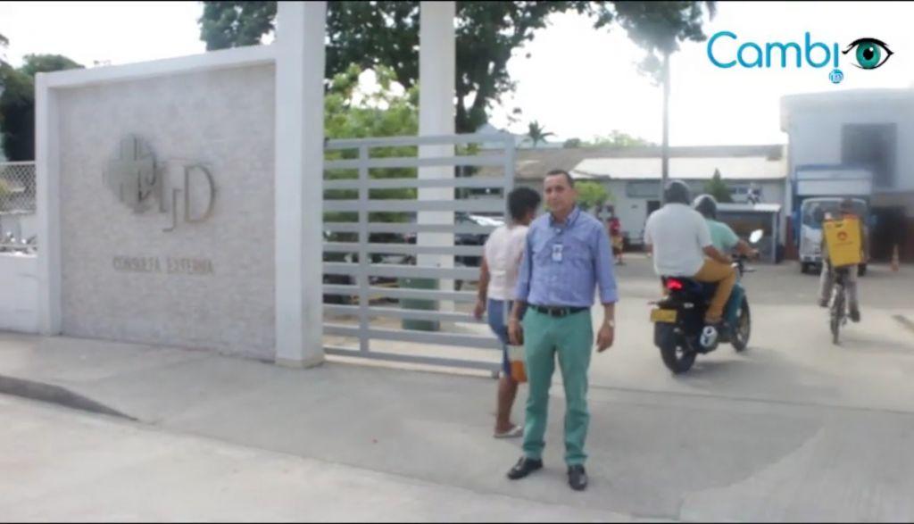 Minsalud y gobernador regalan ambulancia de navidad para Honda