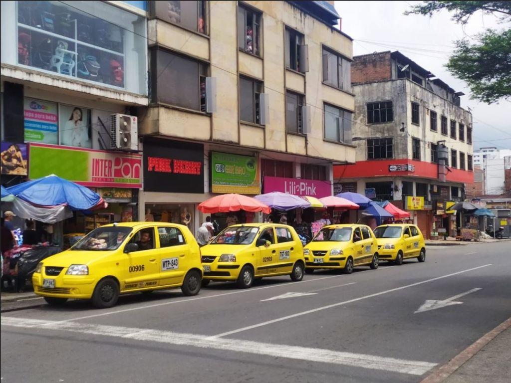 Descubren taxistas tramposos en Ibagué, alcaldía los castigó
