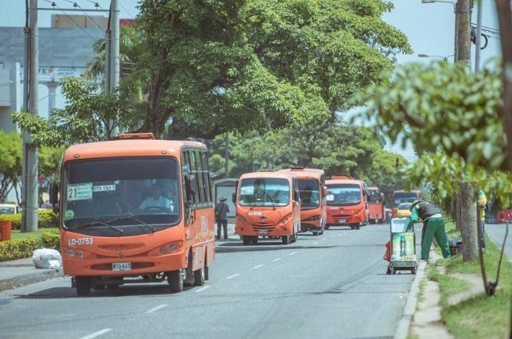 Por falta de garantías, entran a paro el transporte colectivo