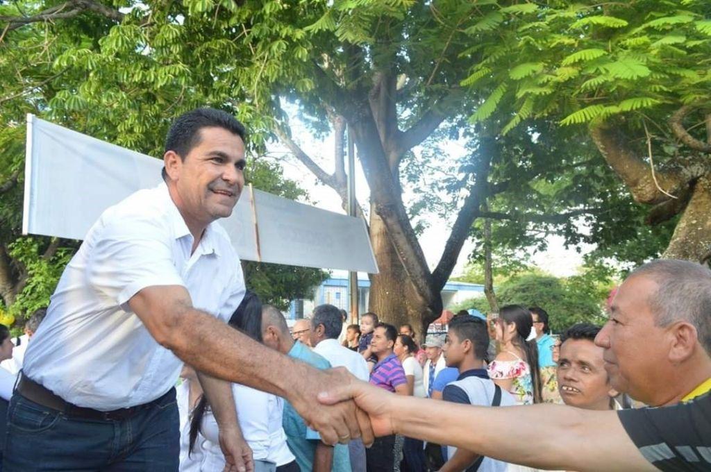 Alcalde del Guamo, contrató a financiador de su campaña