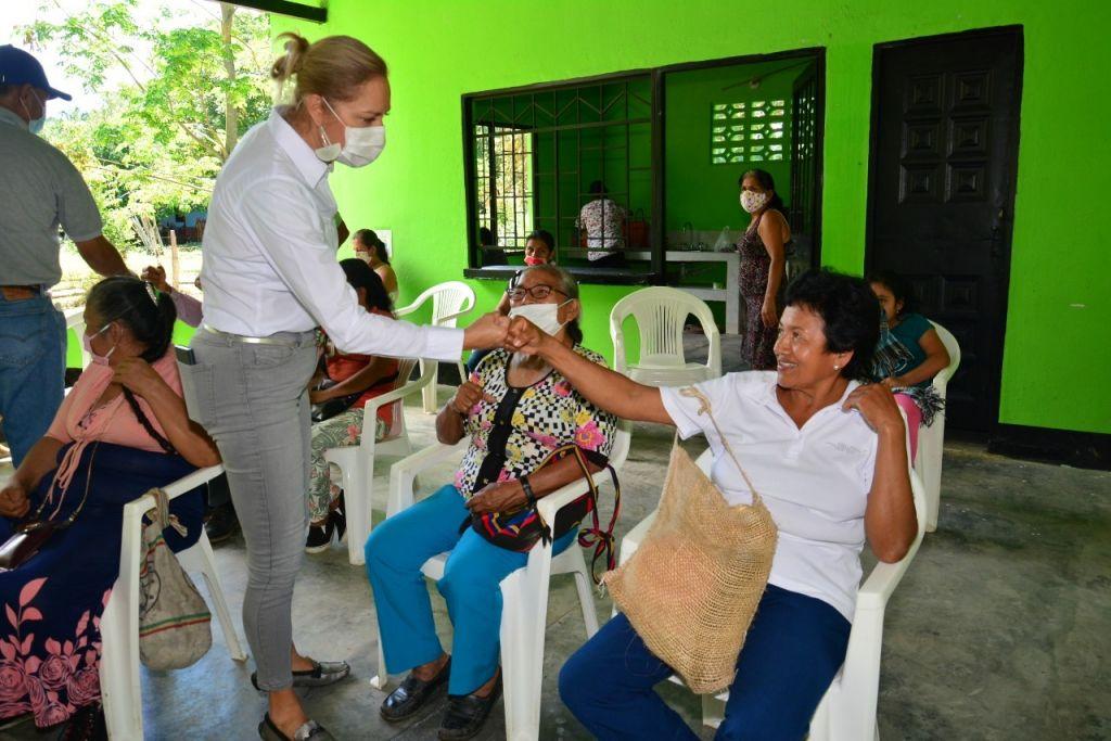 Directora de Cortolima entrega reservorio en Balsillas, Ortega
