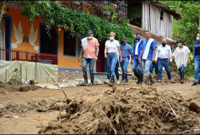 Cortolima brinda acompañamiento a comunidad afectada por temporada de lluvias en Rovira y Chaparral