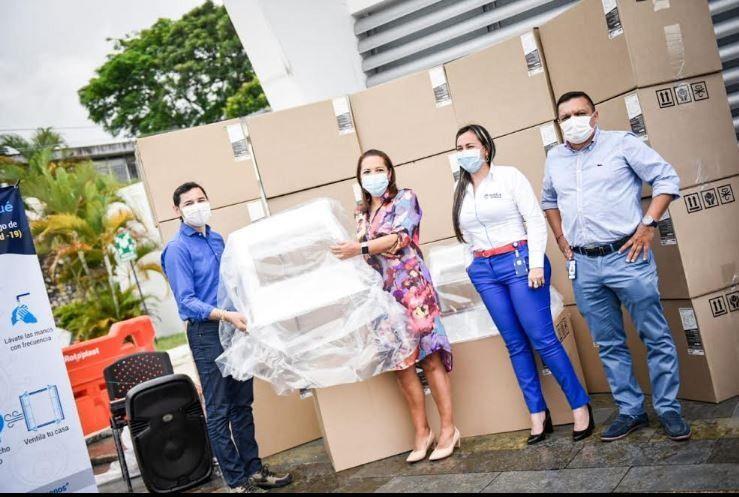 Las 160 cabinas para protección del personal de salud