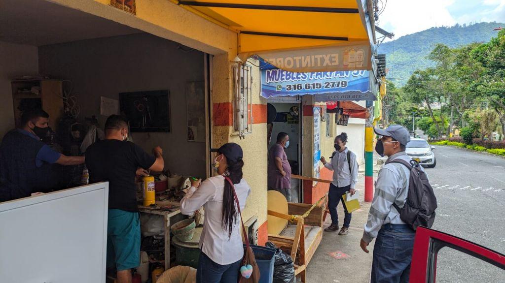 Ibagué Limpia trabaja para que las calles y separadores se conserven limpios