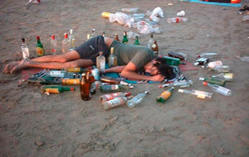 Alcalde de Ibagué dio un contrato para enseñar a beber trago