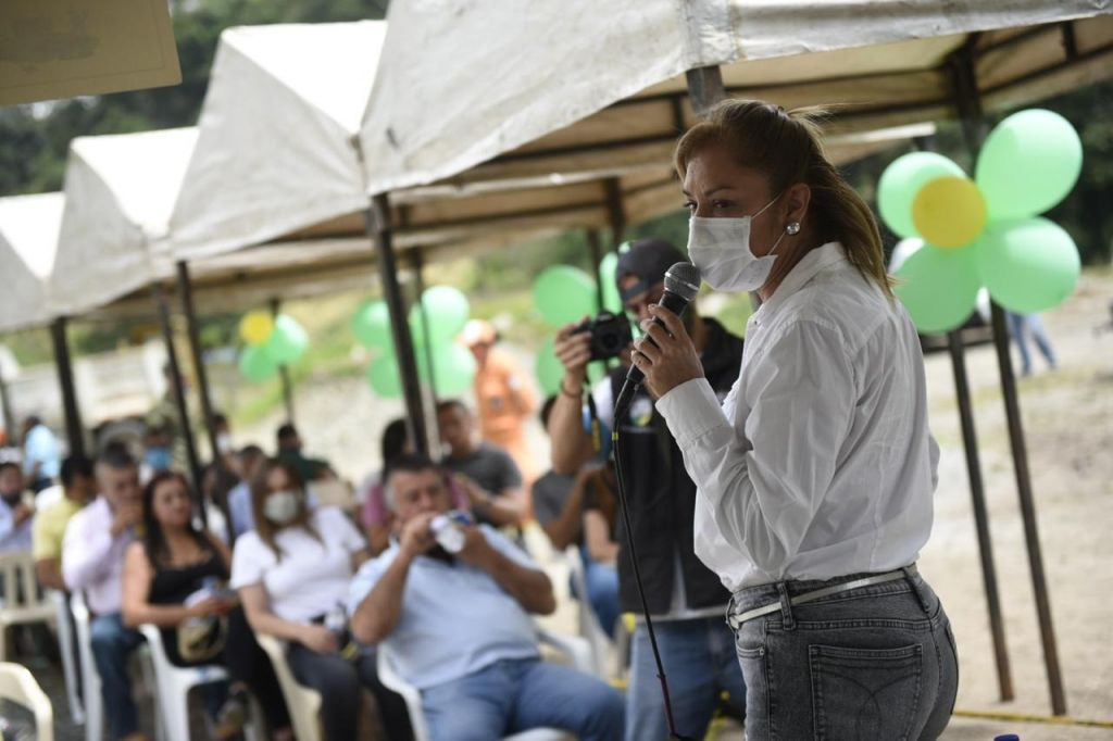 Cortolima se compromete con Cajamarca a crear un vivero de Palma de cera