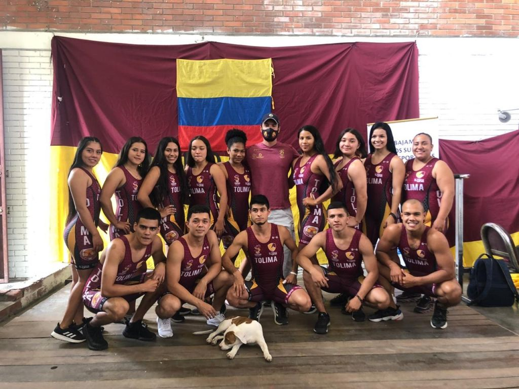 Pesistas tolimenses inician participación en campeonato nacional