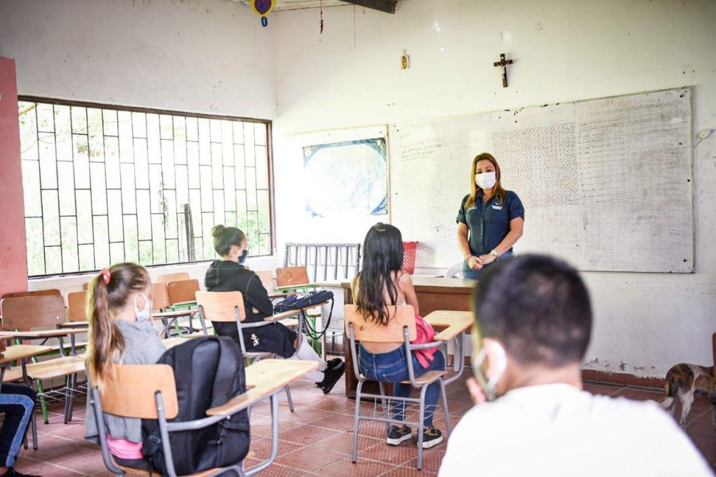 Estudiantes zona rural volverán al salón de clases