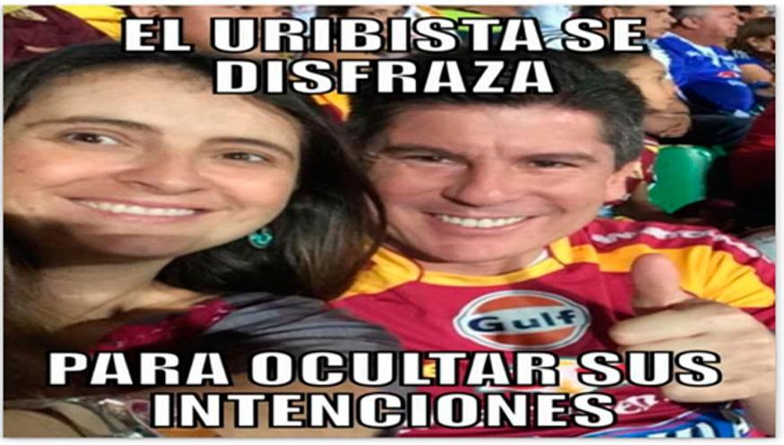 Tenemos la foto que causo el regaño del Senador Uribe, a su colega Paloma Valencia