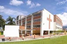 Alcaldía autorizó evento a colegio, violando normas de bioseguridad