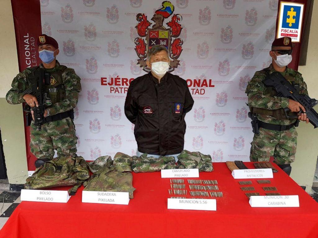 Ejército incautó caleta con armamento de grupo ilegal