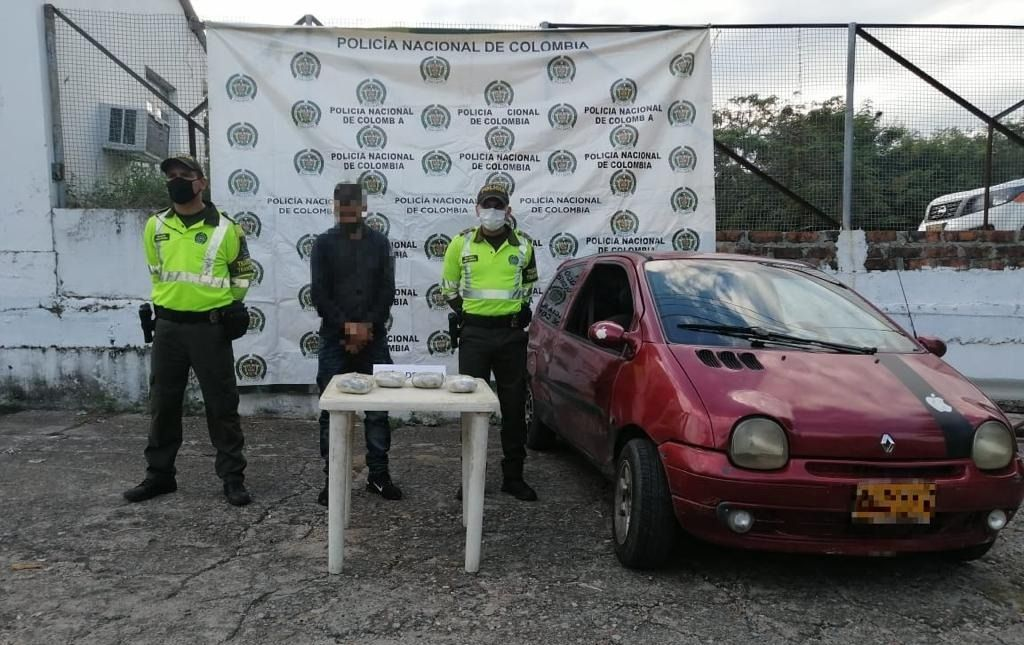 Capturado sujeto en vías del Tolima cuando transportaba en los guardabarros de su carro 3 kilos de cocaína.