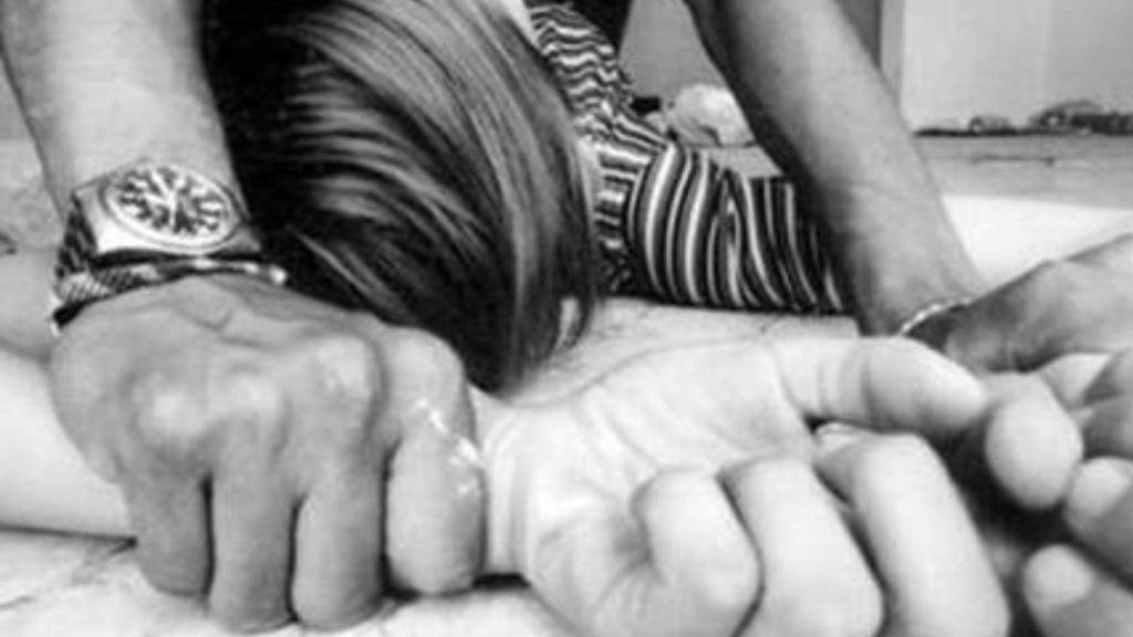 Violó hijastra, bajo la excusa de cobrarle la comida y dormida