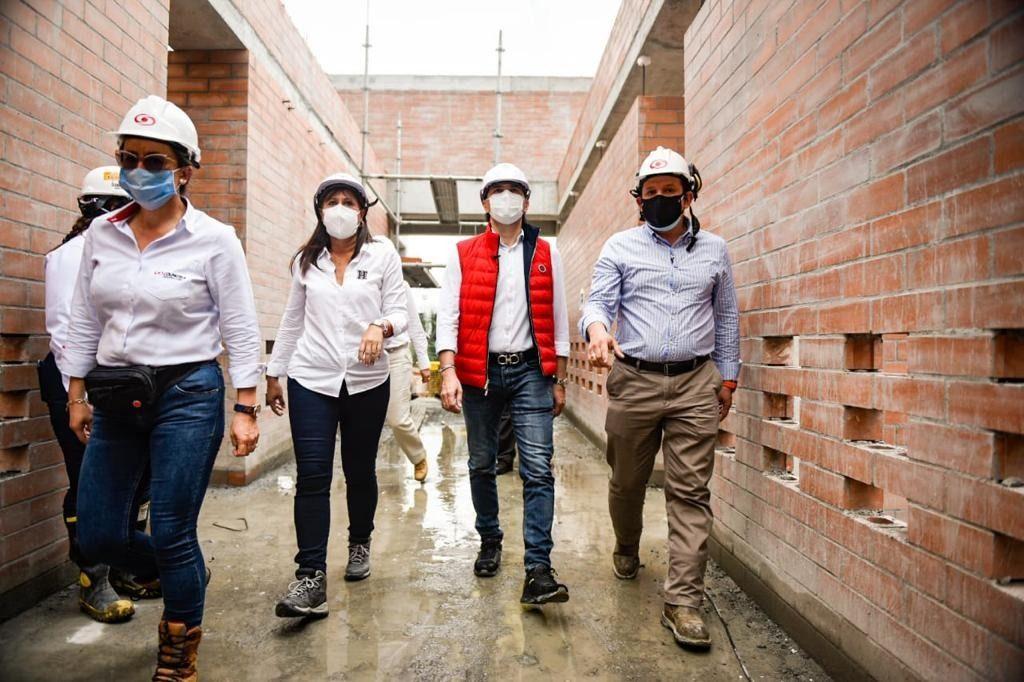 Colegios: San simón, Santa Teresa e Inem, se modernizan