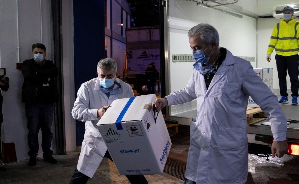 Menos protagonismo, más acción en la entrega de las vacunas