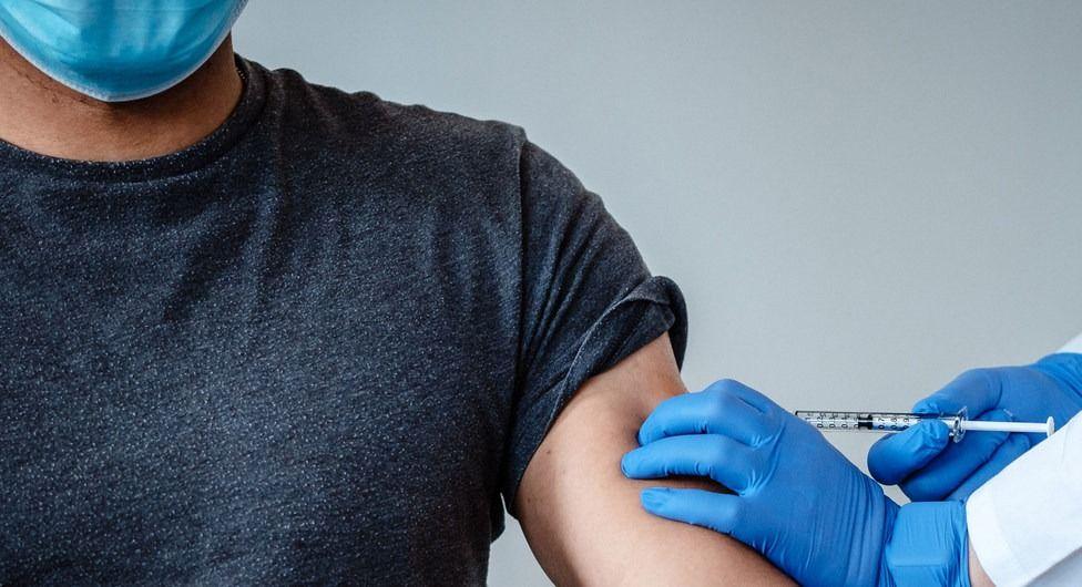 Se habrían dañado vacunas covid-19 en el Tolima: Bolívar