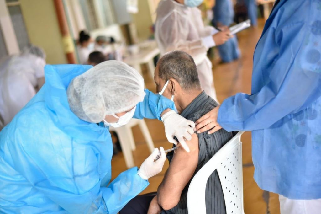 Llegó la vacuna covid-19, para mayores de 80 años en Ibagué
