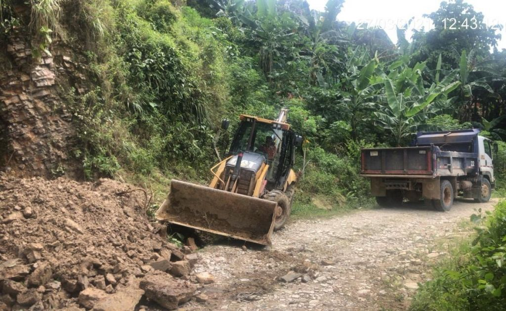 Gobernación comenzó a intervenir vías en emergencia