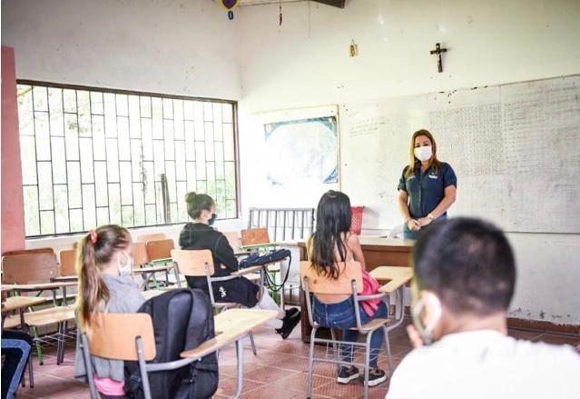 Docentes no se sienten seguros para volver a clases