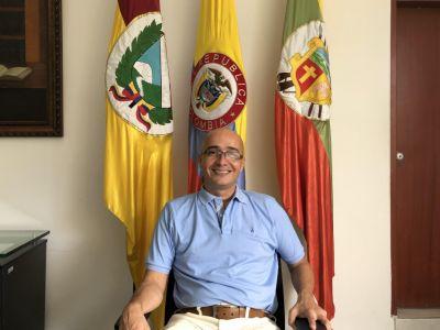 Bolívar, contrató con su familia, y pagó por muertos: investiga FGN