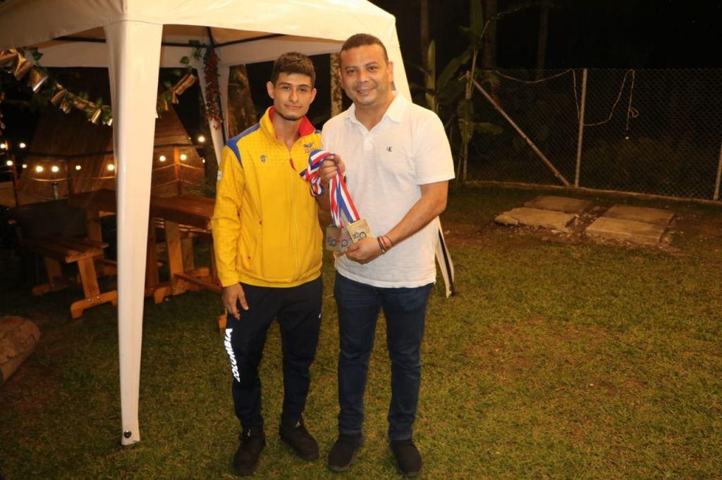 Retornó a Ibagué el medallista y récord Panamericano de Levantamiento de Pesas, Miguel Ángel Suárez