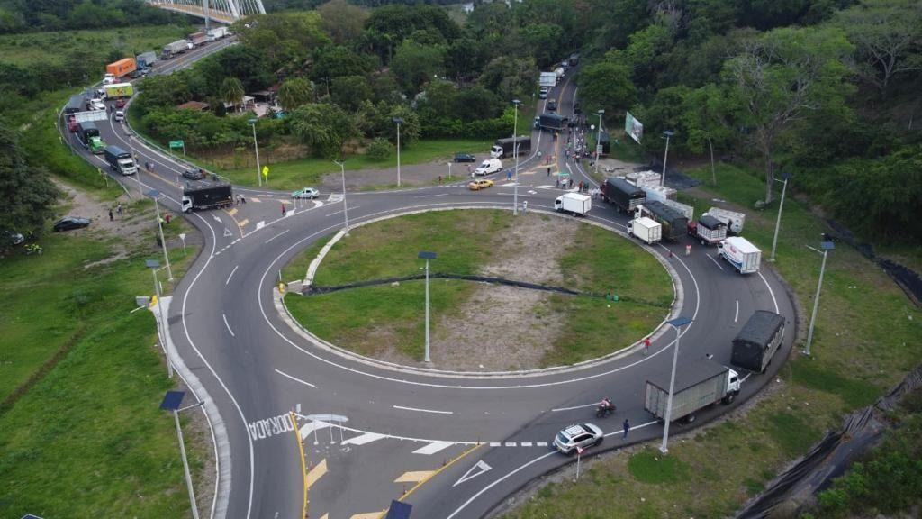 Persiste bloqueo de vías en el norte del Tolima