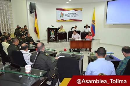 Asamblea cedió su poder al gobernador por diez meses