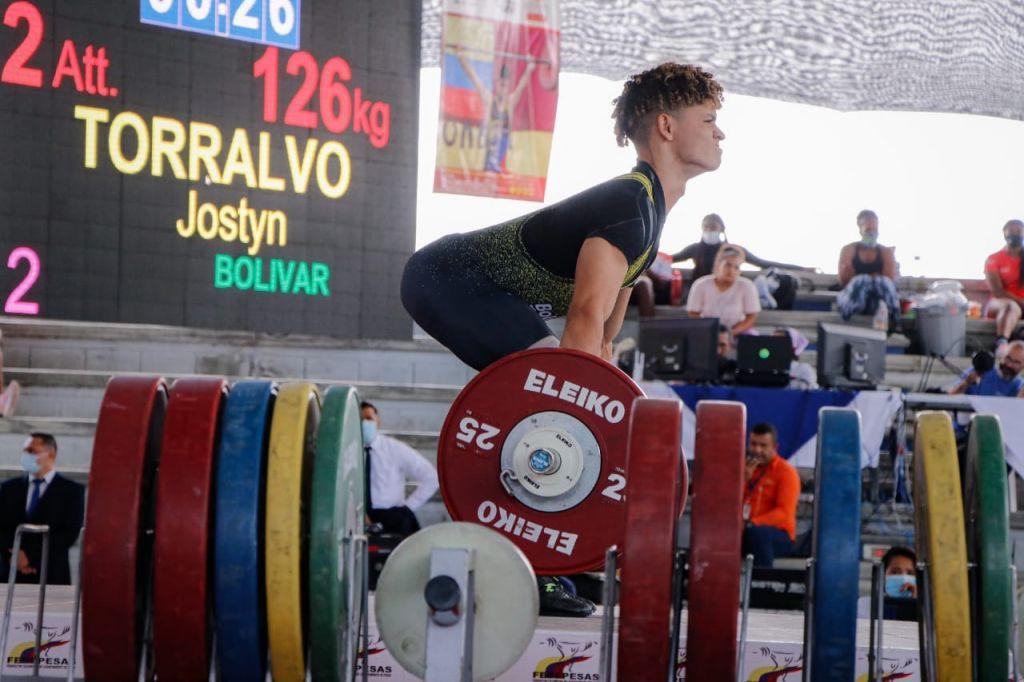 La élite del Levantamiento de Pesas se Une en Ibagué para Vibrar en lo más alto del podium