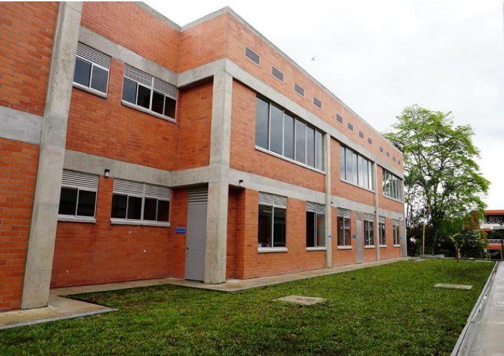 Traslado del rector del colegio Juan Lozano, se hace: SecreEducación