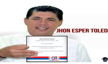 jhon-esper-toledo-con-invitacion.jpg