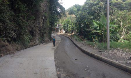 alcalde_no_cumplira_con_pavimentar_via.jpg