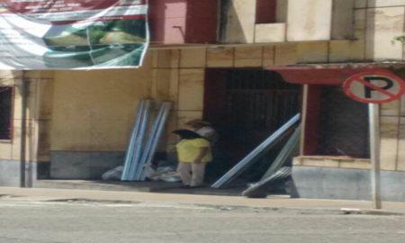 alcalde-de-fresno-entrega-rejas-y-cemento-hace-politica.jpg