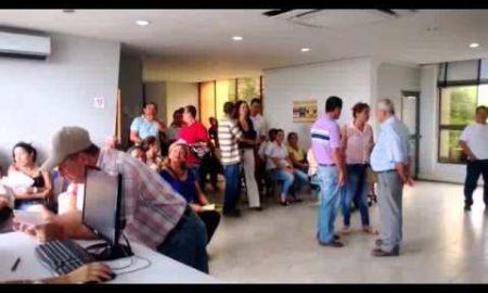 caos_total_en_las_oficinas_del_ibal_de_la_calle_15.jpg